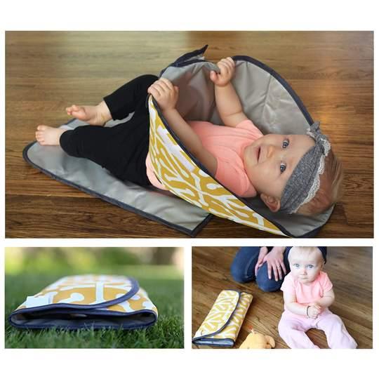 baby mat matelas a langer mains propres 3 en 1 accessoires bebe jaune parents sereins Matelas à Langer Bébé : Facile à Laver et à Entretenir