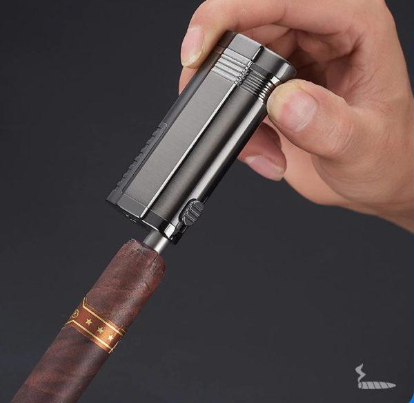 Trois Torches et Coupe Cigare Intégré Doré Cigare Coupé