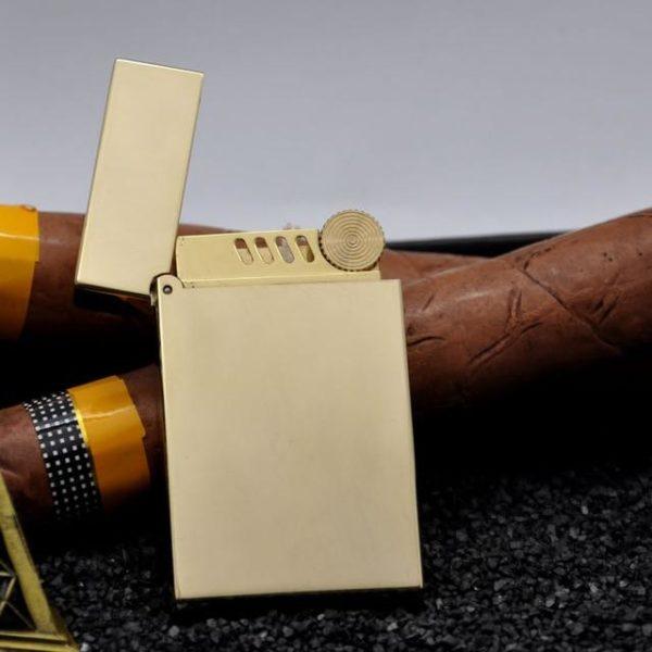 Briquet de Luxe en Laiton avec Meule à Silex