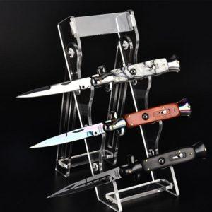couteaux sur présentoir