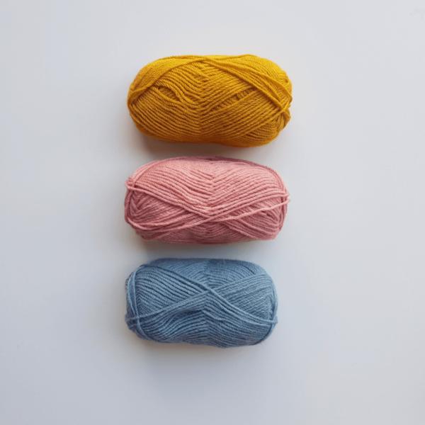laine tricotin mecanique mot en tricotin couleurs