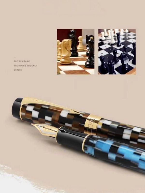 stylo plume pixels avec plume doré