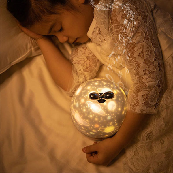 projecteur-veilleuse-galaxie-avec-enfant-dormant-jabilune