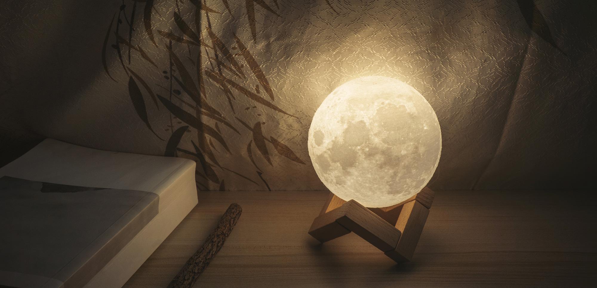 Lampe-Lune-decoration