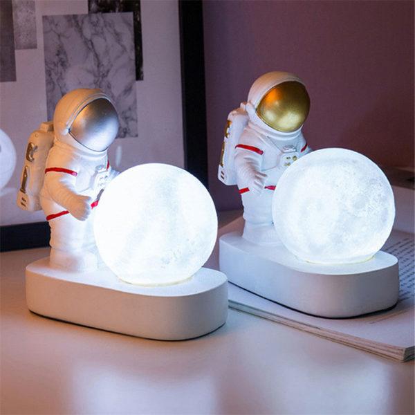 Lampe-lune-deux-Astronaute-LED-jabilune