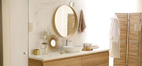 Salle-de-bain-miroir-soleil-acceuil
