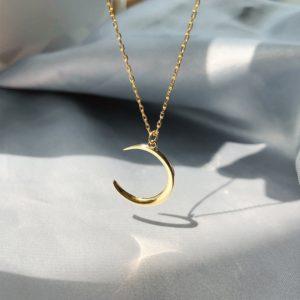 Collier croissant de lune doré