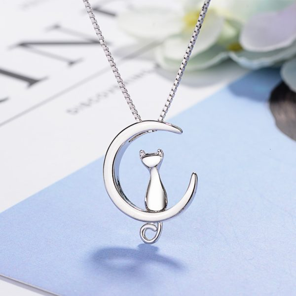 Collier lune chat