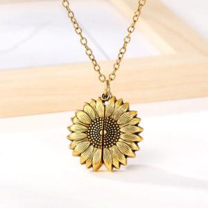 Collier-soleil-You-Are-My-Sunshine-couleur-doré