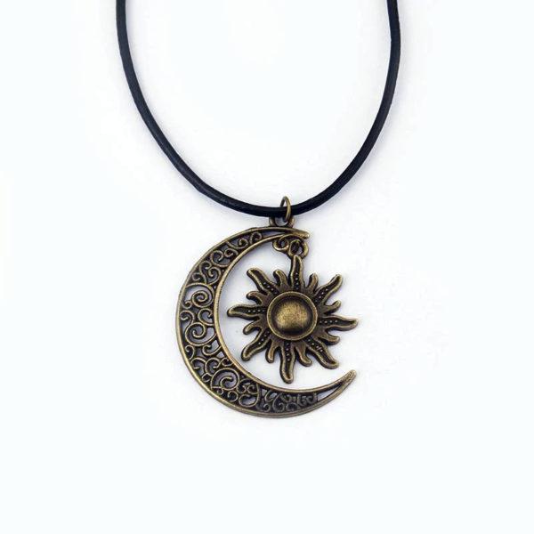 Collier-soleil-couleur-cuivre-croissant-de-lune-hippie