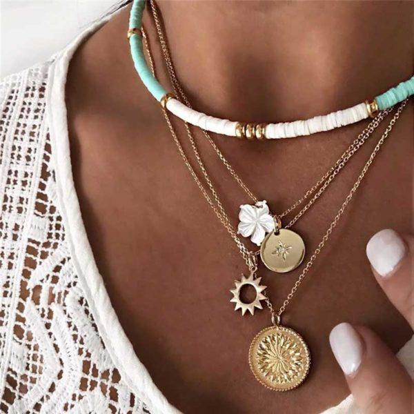 femme-avec-collier-soleil-bohème-jabilune