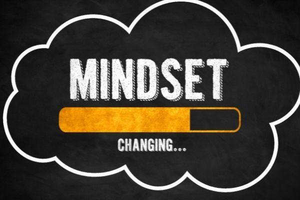 Le mindset à développer pour générer des revenus en ligne -Saistout - Maximisez votre potentiel de revenus en ligne