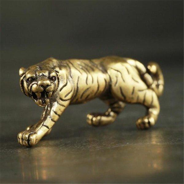 Statue Tigre Fauve cote