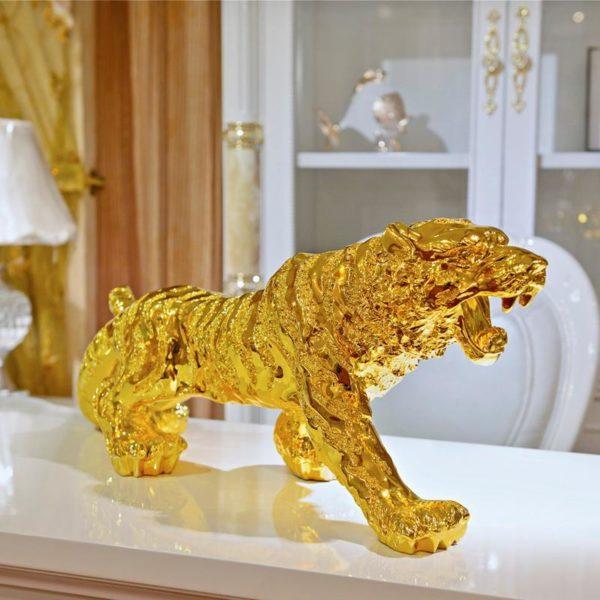 Statue tigre fauve d'or profil