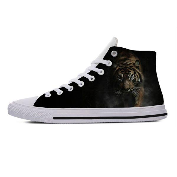 Chaussure Tigre Marche Obscure
