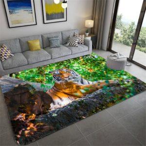 tapis tigre allongé